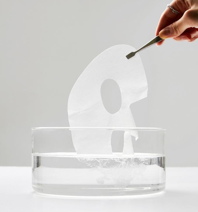 '녹는 마스크팩'이라는 별칭으로도 유명한 메르셀 샤르르 마스크 멜팅 콜라겐은 차별화를 완성한 콜라겐 시트를 채택해 피부에 영양성분이 최대한 흡수하도록 돕는다.